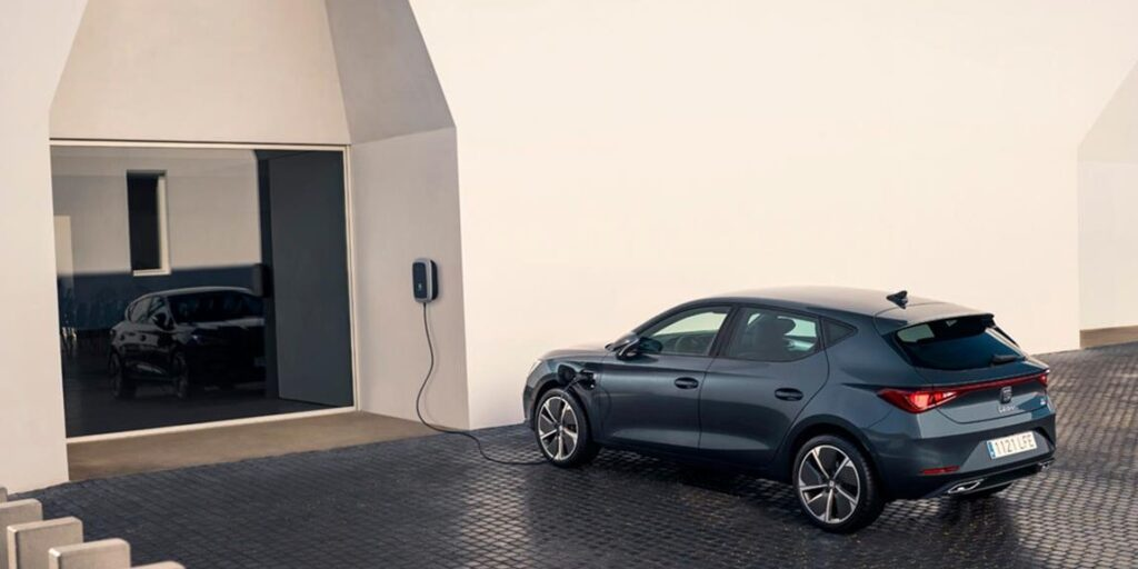 To νέo Seat Leon Plug-in Hybrid