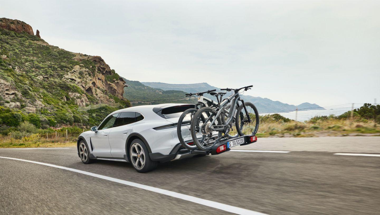 Μεταφορά ποδηλάτων από το νέο μοντέλο της Porsche