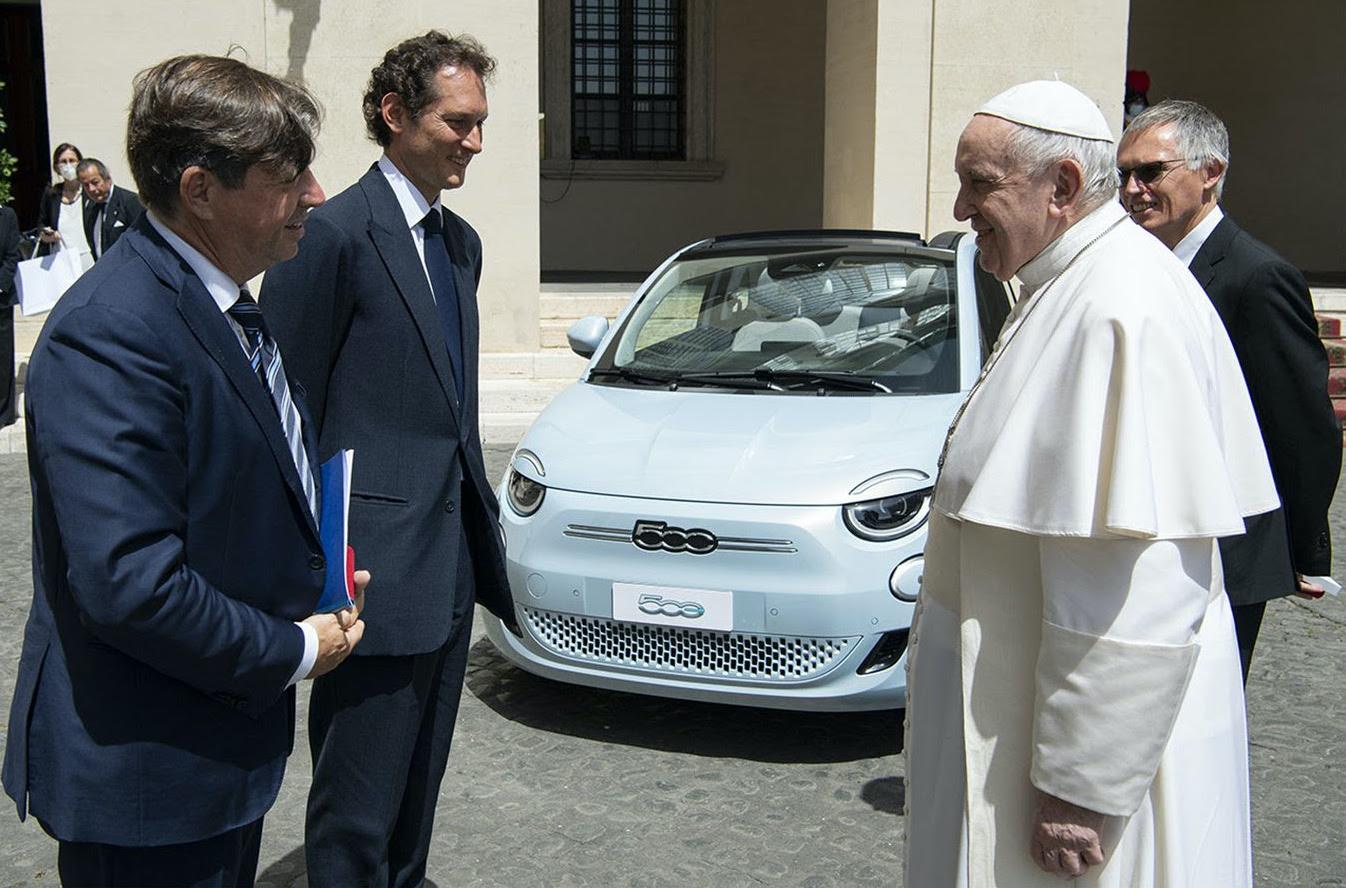 Πάπας Φραγκίσκος και ηλεκτρικά αυτοκίνητα