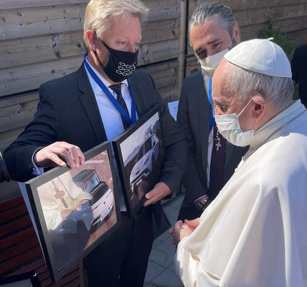 Πάπας Φραγκίσκος & Fisker