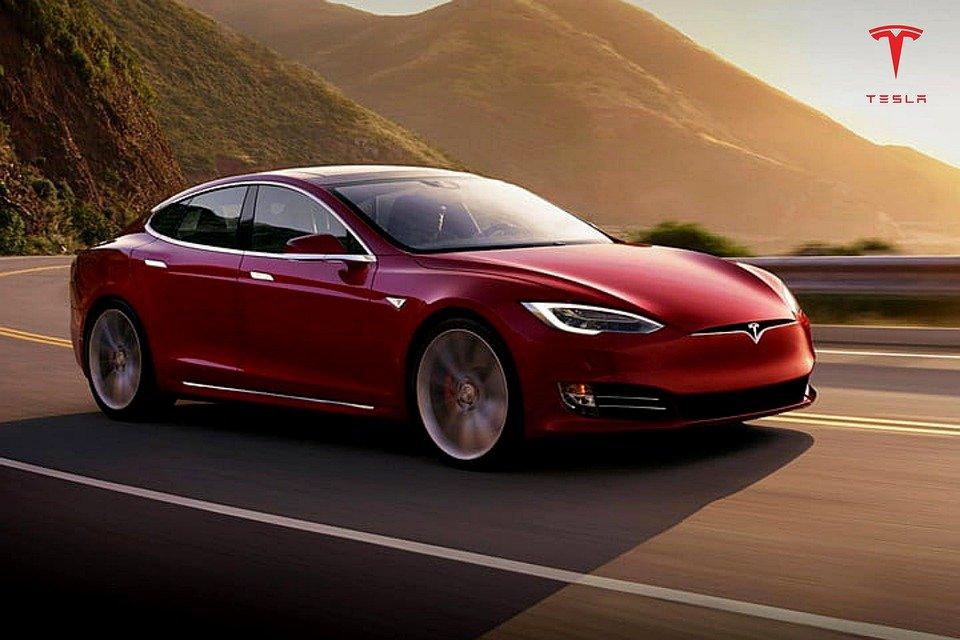 Tesla σε κίνηση