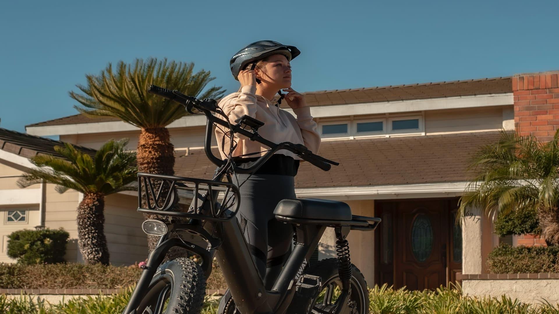 Helmet e-bike