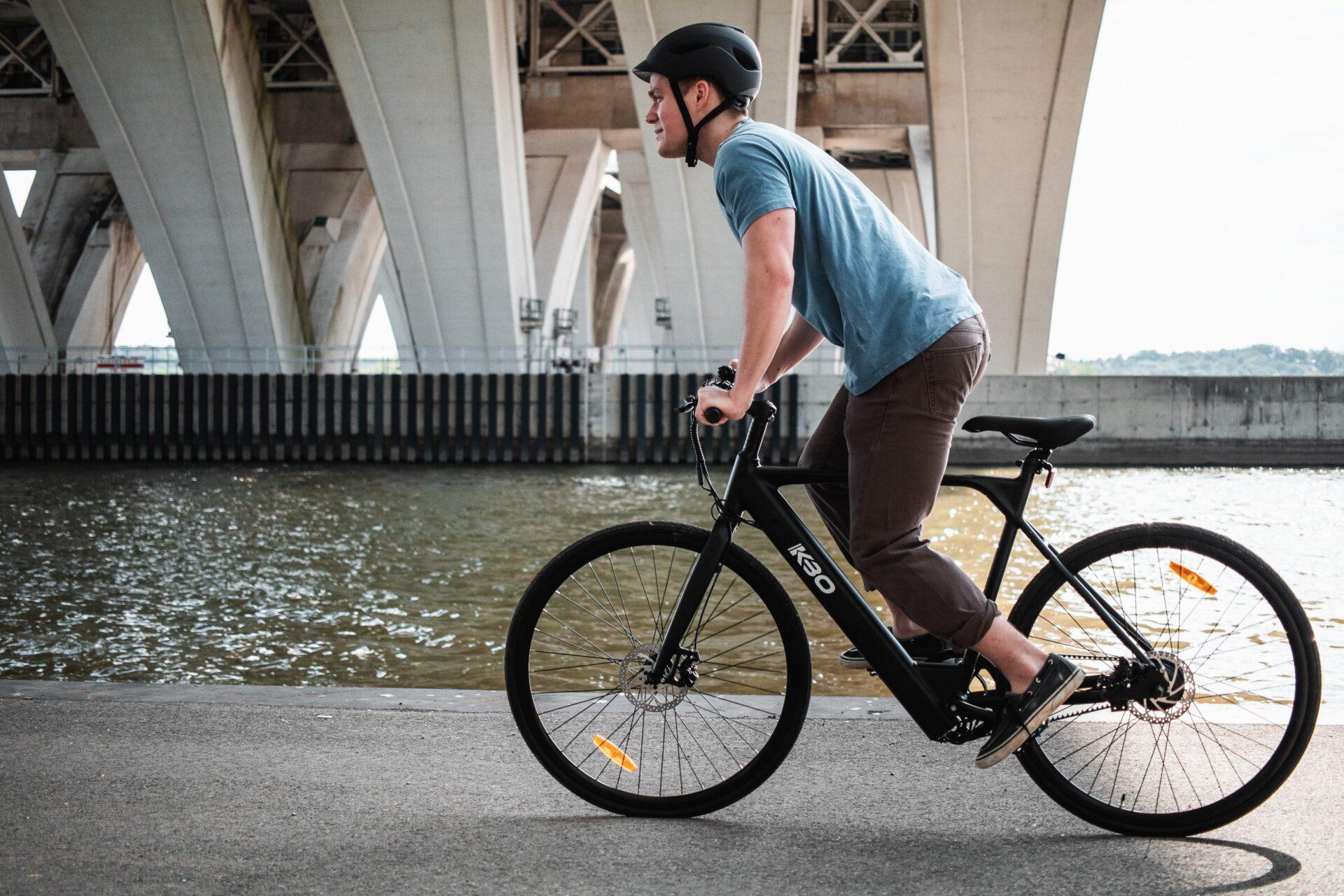 Θεσπίζονται κανόνες κυκλοφορίας για e-bikes και ηλεκτρικά πατίνια - Cars  Electric