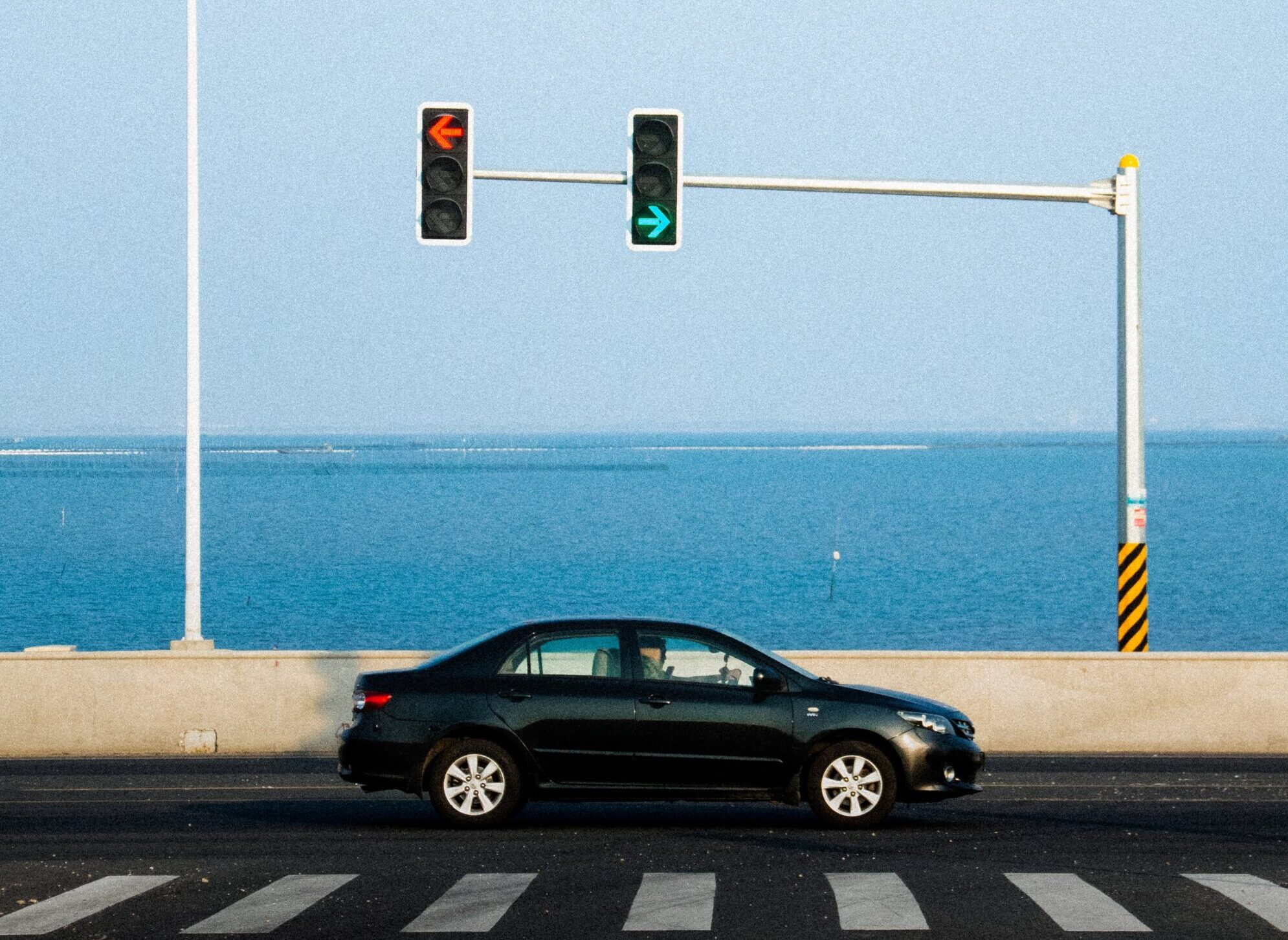 Green red light and car
