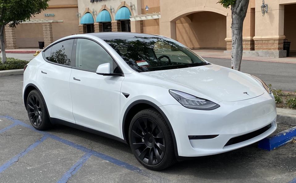 Model Y Tesla