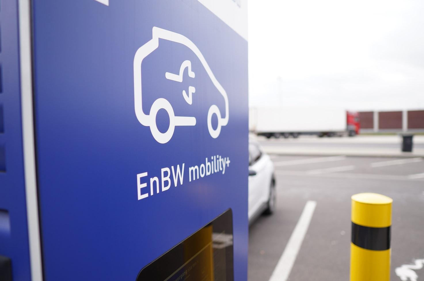 ev charging road